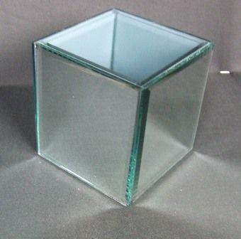 10 x 10 x 10cm Bevelled Square Mirror Vase