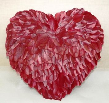 1 Feather Heart Red 31cm